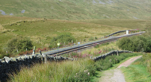 Leeds-Settle-Carlisle-train-line-near-whernside