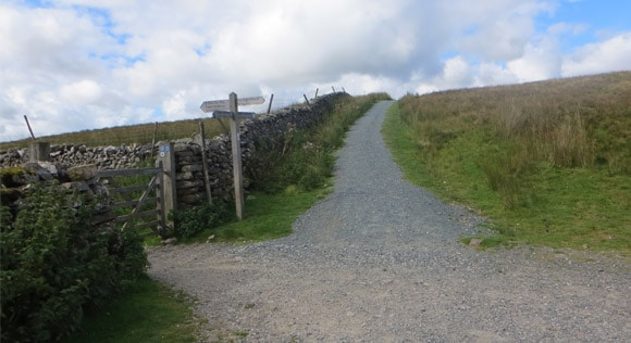 Pen-y-ghent-cross-road