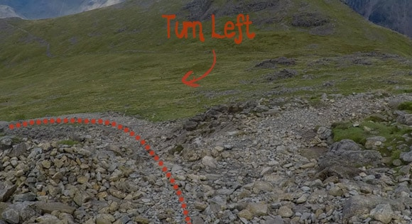 Important left turn when descending Scafell Pike