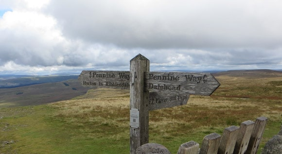 Pennine-Way-Horton-in-Ribblesdale-sign