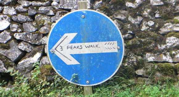 Three-Peaks-sign