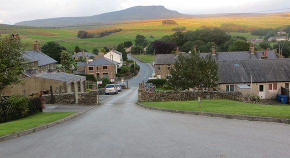 Horton-in-Ribblesdale-B6479-road
