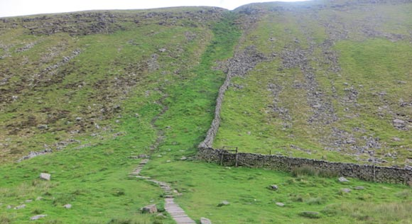 Steep-climb-up-Ingleborough