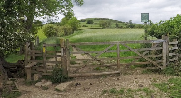 Gate and signpost for Lose Hill