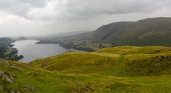Path leading down from Hallin Fell