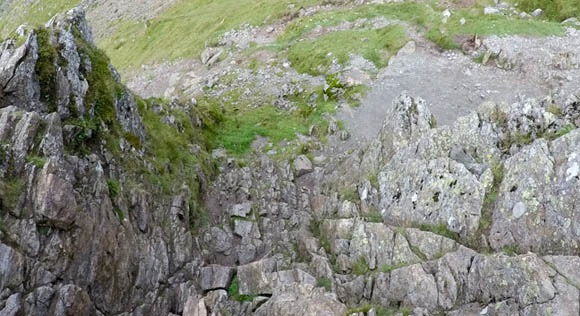 Steep descent down Striding Edge