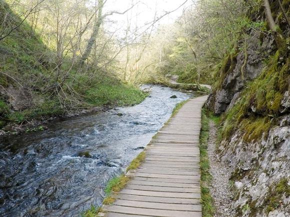 Dovedale to Milldale Walk 9